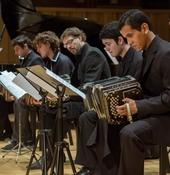 """Buena práctica de la Agenda 21 de la cultura: el """"Orquestra Escuela de Tango Emilio Balcarce""""  de Buenos Aires."""